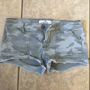 Hollister camo shorts